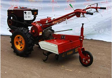 walking tractor with cultivator
